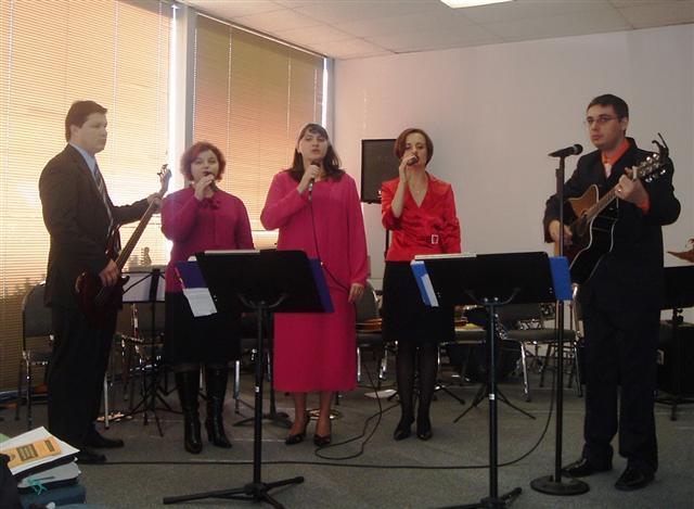 Grupul de laudă si închinare